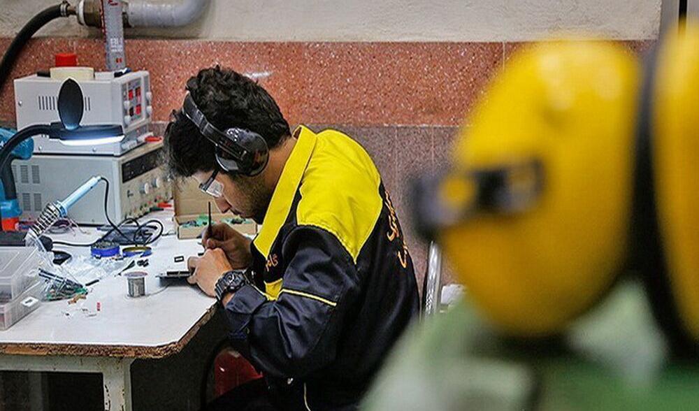 ۴۱ هزار نفر تا پایان امسال در بخش صنعت مشغول به کار می شوند
