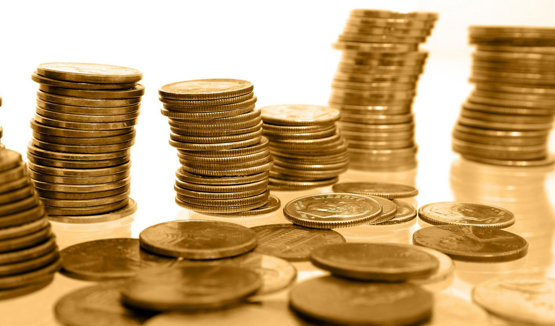 افزایش ملایم بهای سکه همزمان با سقوط بیسابقه قیمت جهانی طلا