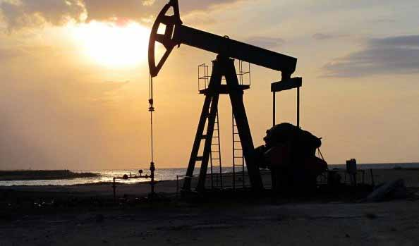 ادامه تولید نفت ایران در شرایط تحریم و کرونا