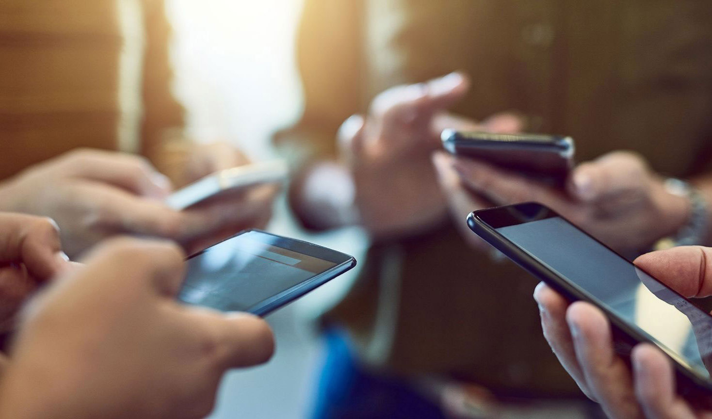 ارتقای 54 درصدی ضریب نفوذ تلفن همراه هوشمند کشور/ افزایش 89 درصدی نرخ کاربران اینترنت
