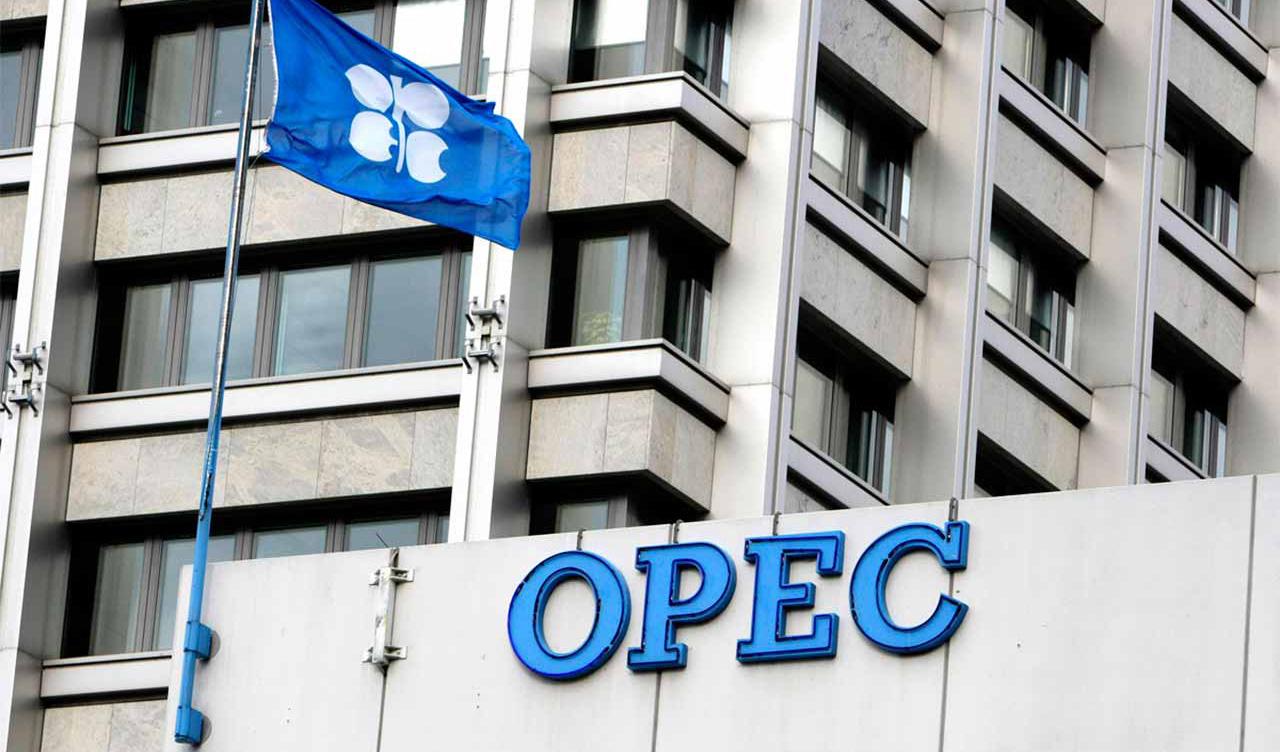 پایبندی ۱۰۳ درصدی اوپک به توافق کاهش تولید نفت در ماه اوت