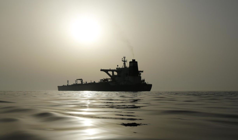 بلاتکلیفی محموله های بنزین فروخته شده ایران در آب های آمریکا