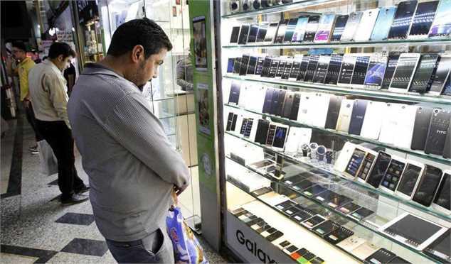 ضوابط جدید واردات موبایل مسافری/ احتمال رونق ورود آیفونهای آمریکایی همراه مسافران