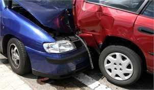 پرداخت یکسان خسارت بیمه به خودرو میلیاردی و ۲۲۰ میلیونی