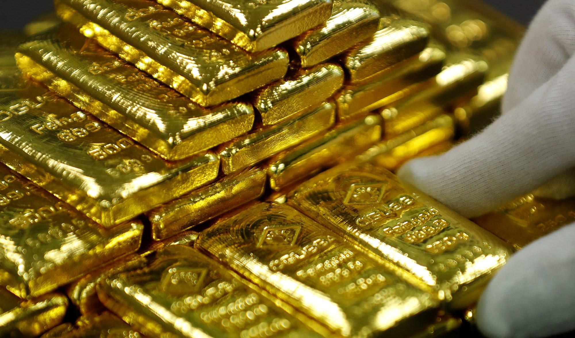 قیمت جهانی طلا یک درصد دیگر سقوط کرد