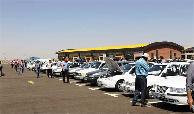 آخرین قیمت ها در بازار خودرو/ پراید از مرز صد میلیون تومانی عقب نشست