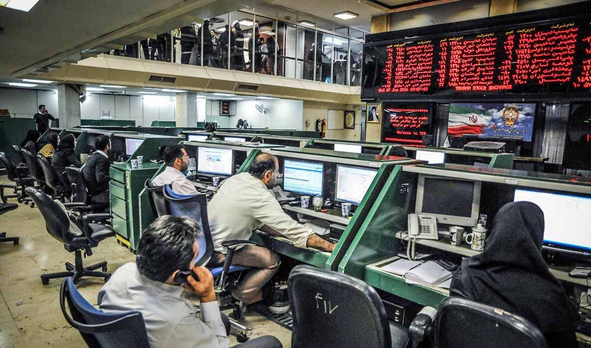 بازار سهام چرخید/ شاخص بورس به کدام سمت میرود؟