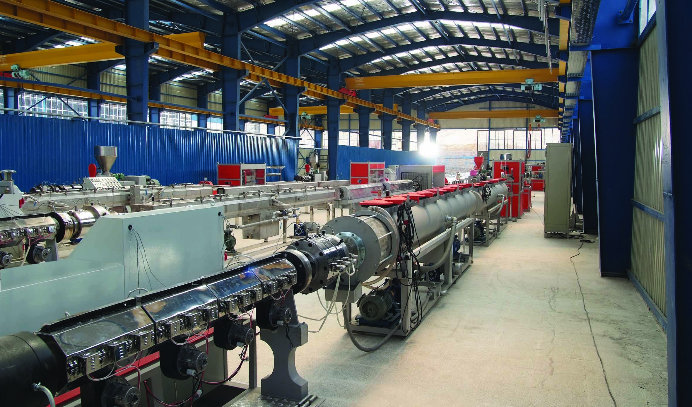 معاون وزیر کشور: 1200 واحد صنعتی راکد به تولید باز گشتند