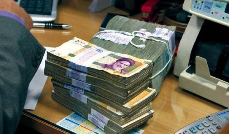مردم امسال ۴۰ درصد بیشتر پول در بانک ها سپرده کردند
