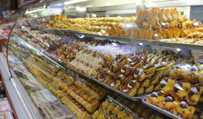 شیرینی شب عید گران نمیشود/ کارخانجات، روغن را به واسطهها میدهند