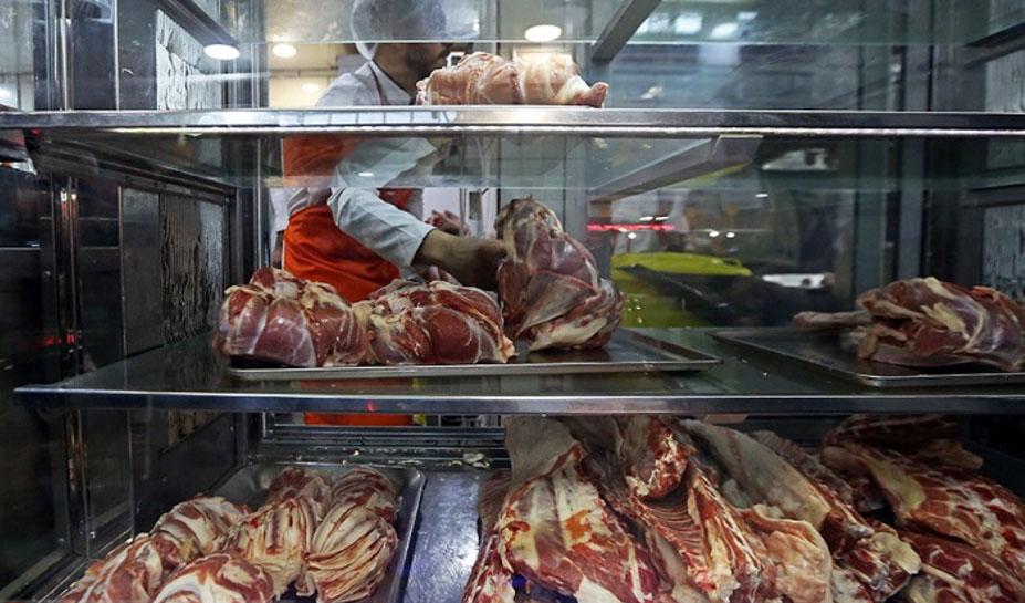 وجود ۶۵ هزار تُن گوشت قرمز مازاد در بازار/ قیمت منطقی گوشت گوساله زیر ۱۰۰ هزار تومان است