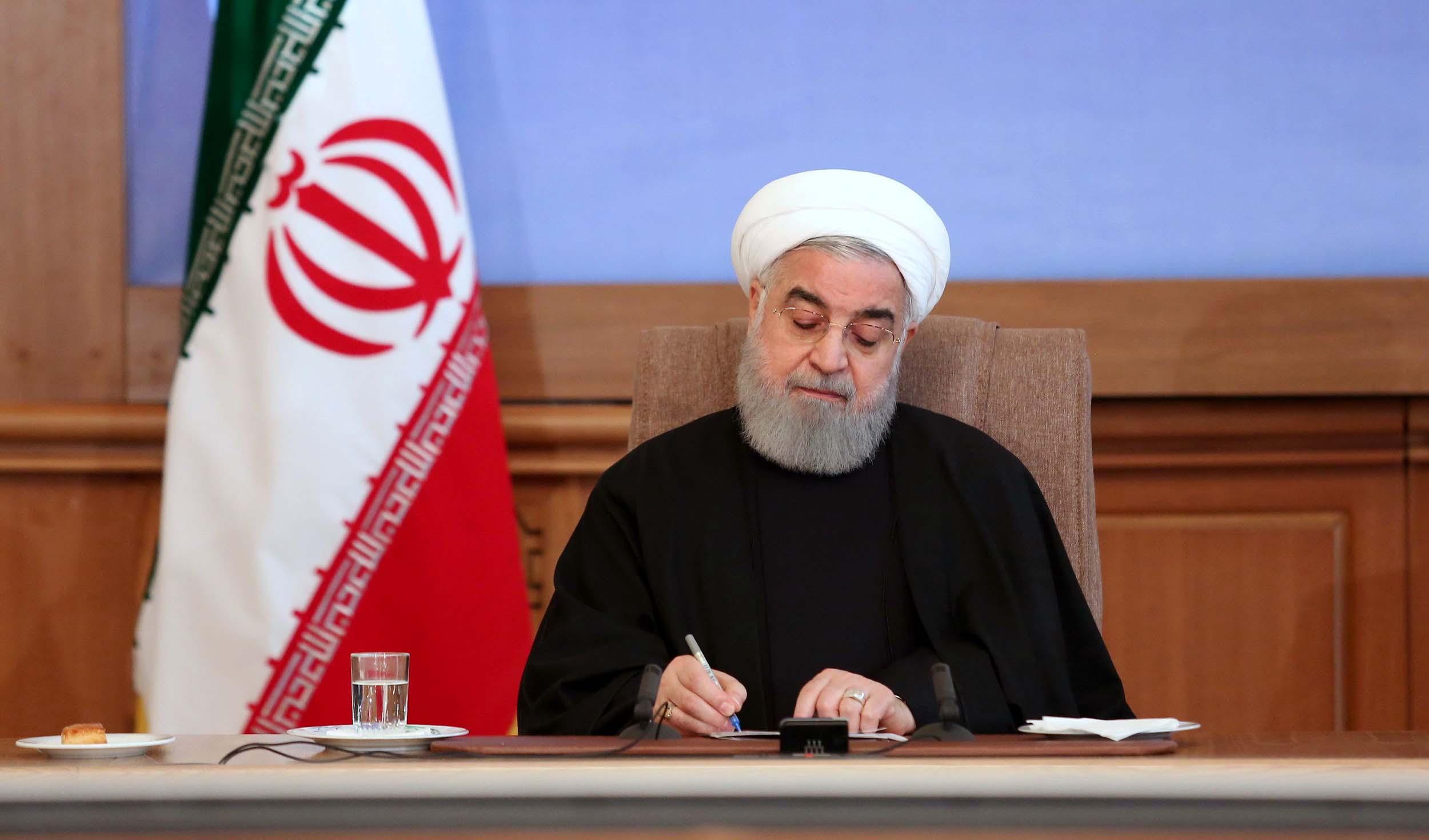 روحانی: واکسیناسیون از فردا در کشور آغاز میشود