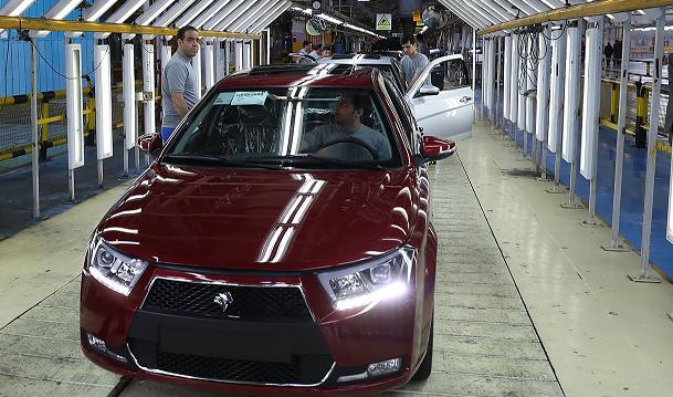 رشد ۴.۳ درصدی تولید خودروسازان بزرگ داخلی در سال ۹۹