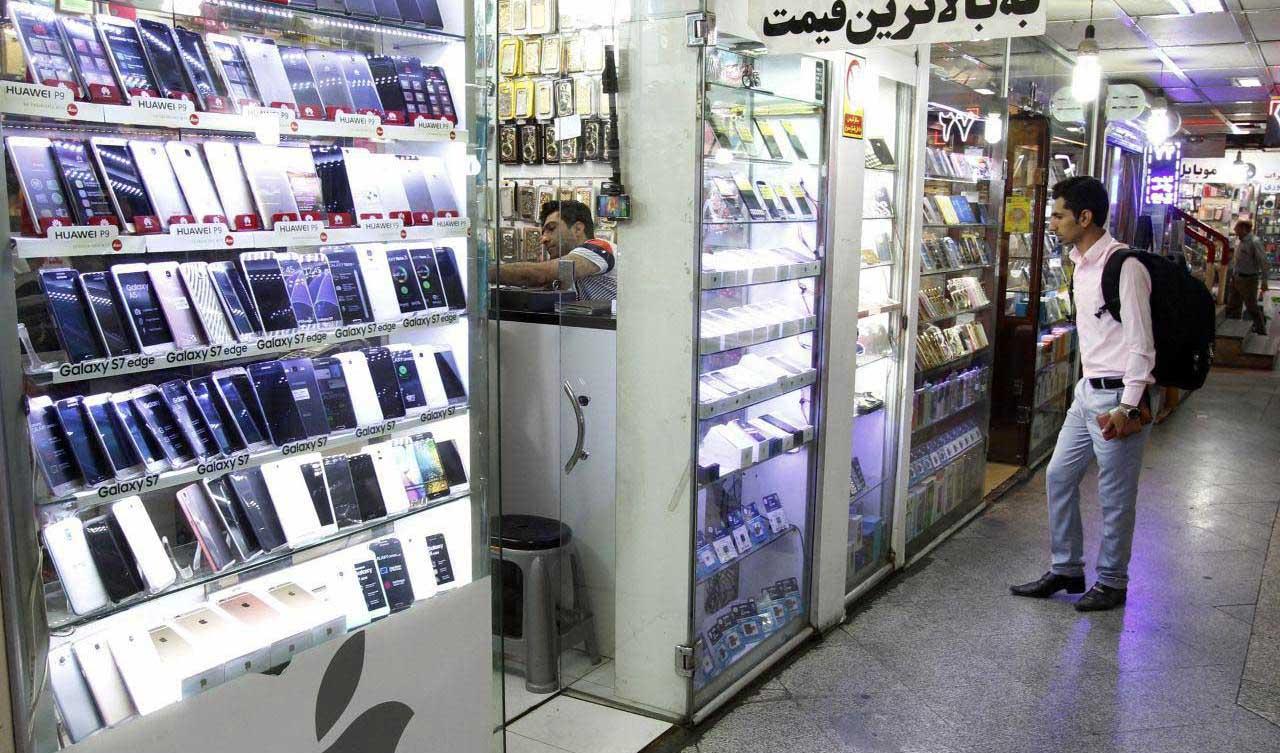 نوسانات بازار موبایل بالا گرفت/ ریزش قیمت تلفن های همراه برند اپل