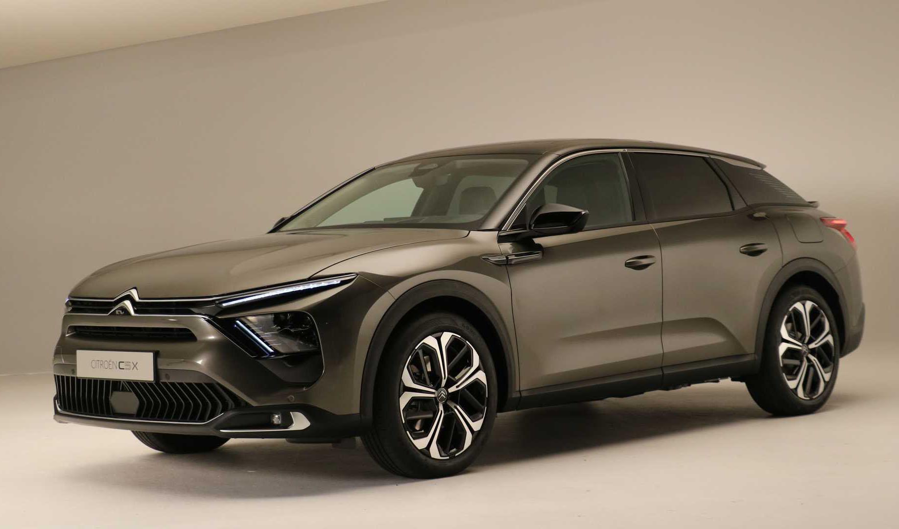 سیتروئن C5 X جدید معرفی شد؛ خودرویی بین سدان، واگن و شاسیبلند