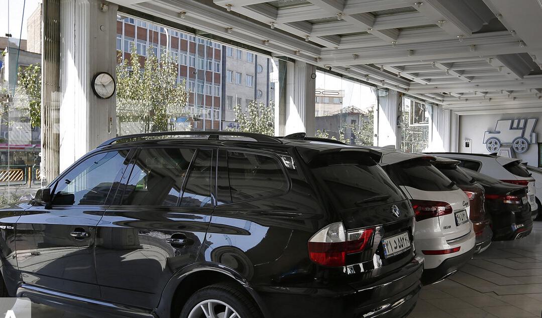 افت عرضه، رشد قیمت خودرو را رقم زد
