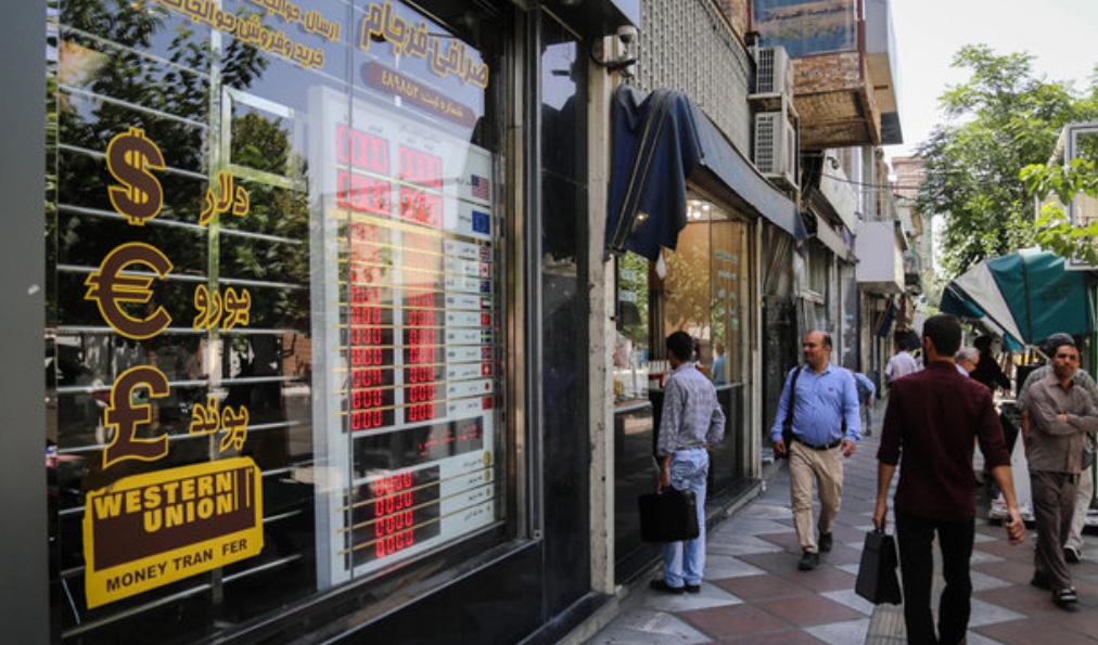 صرافان رسمی از بازار ارز حذف میشوند