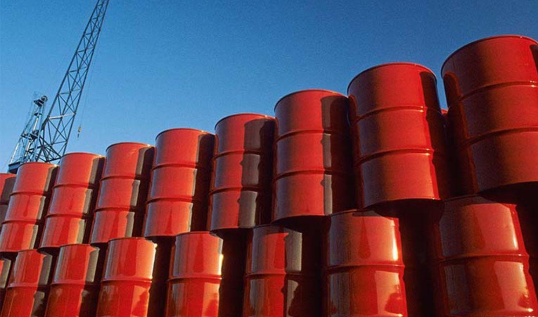 قیمت نفت خام پس از ثبت رکورد ۲ ساله افت کرد