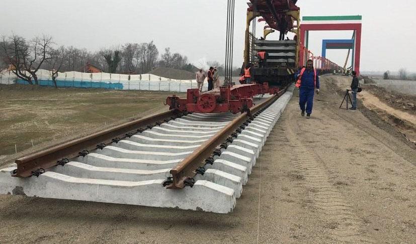 ساخت راه آهن شلمچه-بصره کلید خورد/ آغاز عملیات اجرایی ۵۲ پروژه مناطق آزاد