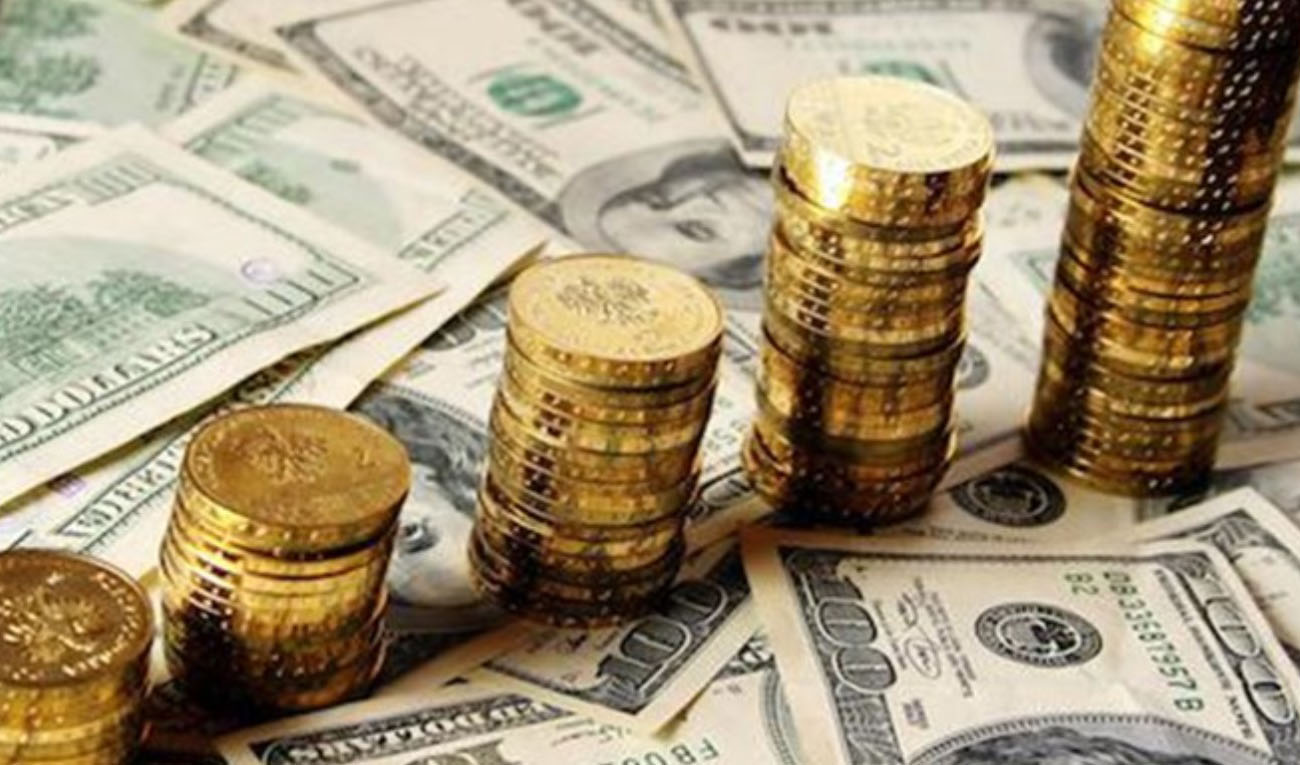 دوره اصلاح در بازار دلار/سکه بالای سطح حساس باقی ماند