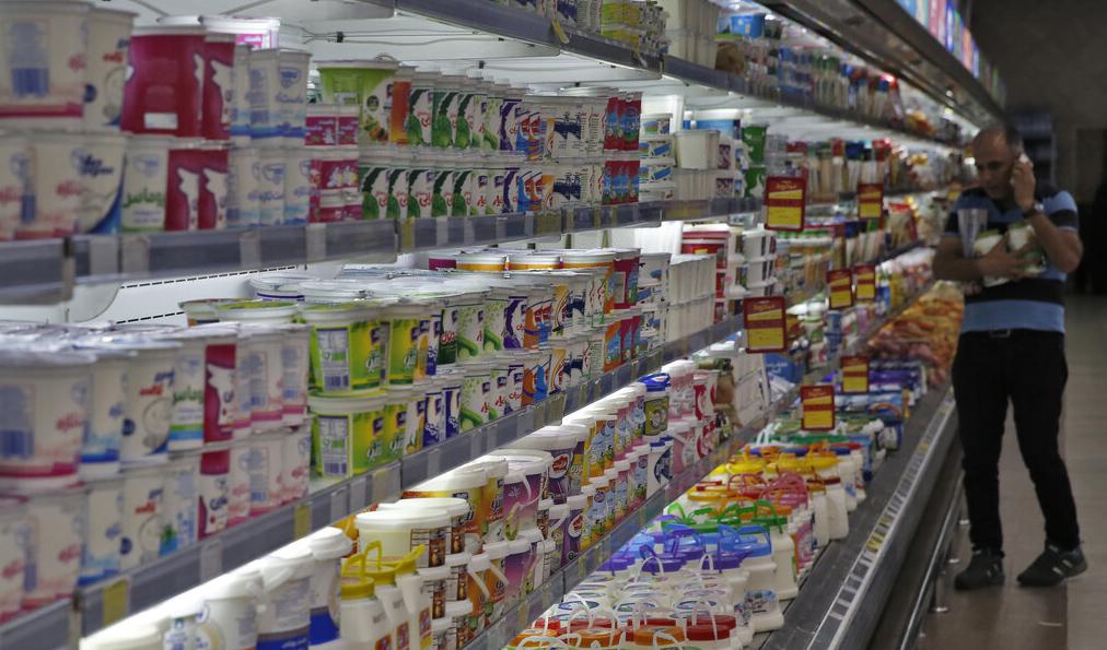 نرخ ۶۴۰۰ تومانی شیرخام موجب افزایش قیمت لبنیات میشود