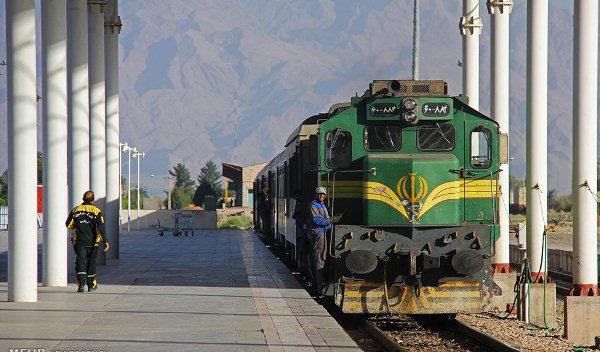 حرکت قطارها طبق برنامه انجام می شود