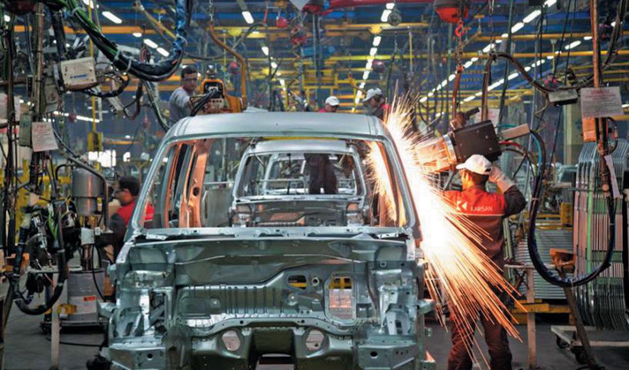 رشد ۱۲ درصدی تولید در سایپا در مقابل افت ۱.۵ درصدی ایرانخودرو