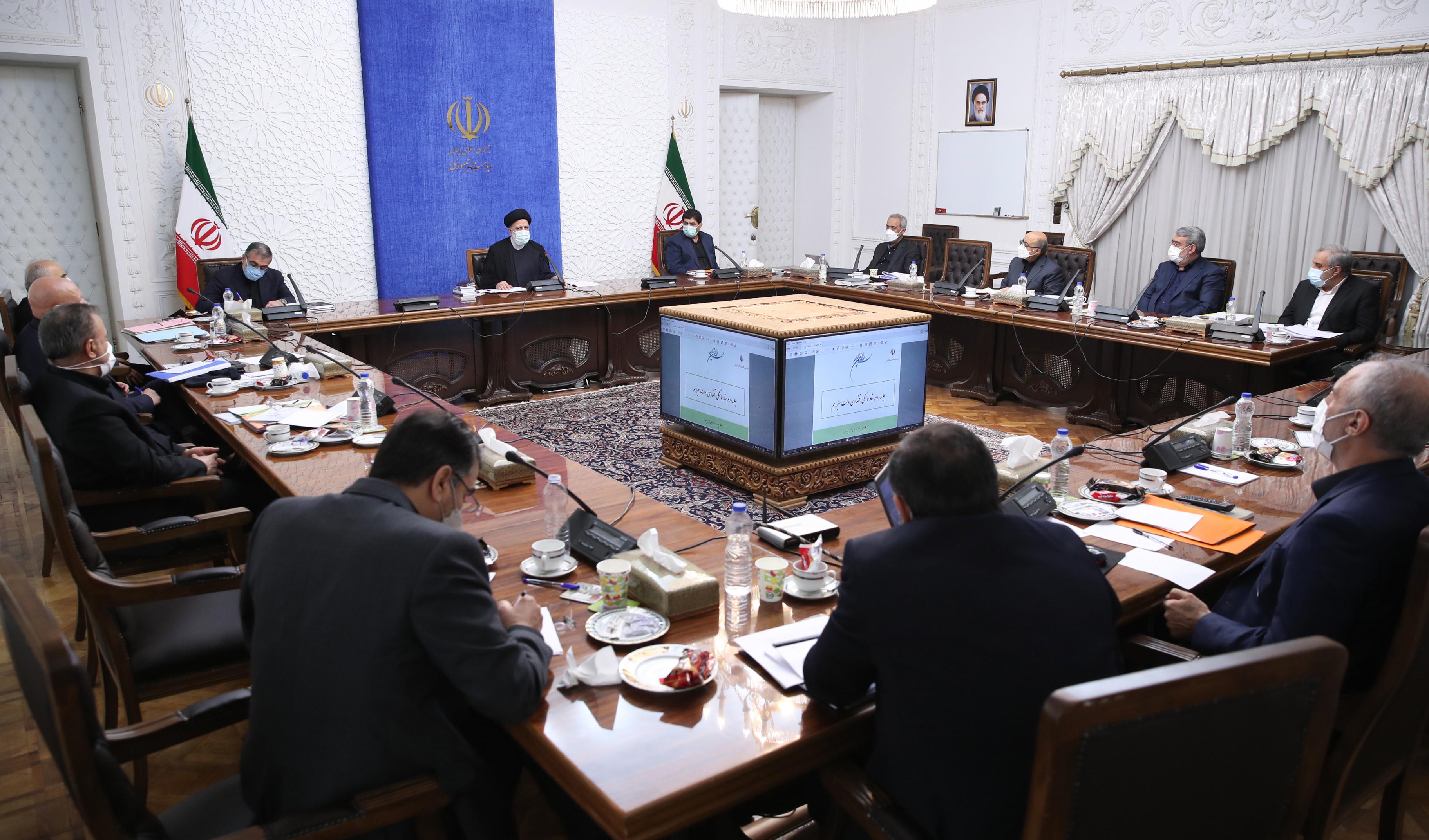 وزارتخانههای صمت و اقتصاد موظف به حمایت از تولید داخلی شدند