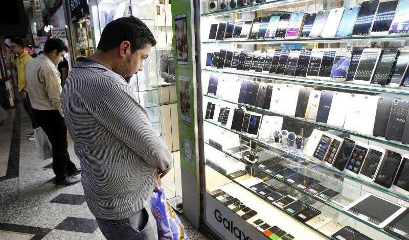 تاثیر ممنوعیت واردات و نرخ ارز بر قیمت موبایل