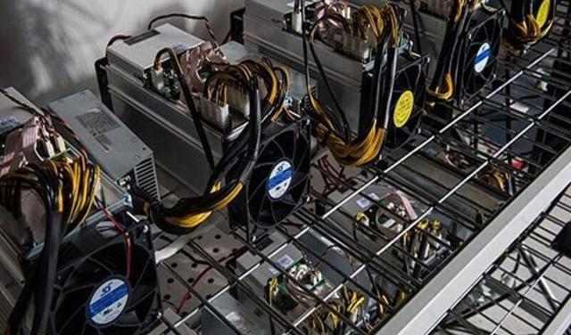 استخراجکنندگان غیرمجاز رمزارز برق سه کلانشهر را میبلعیدند