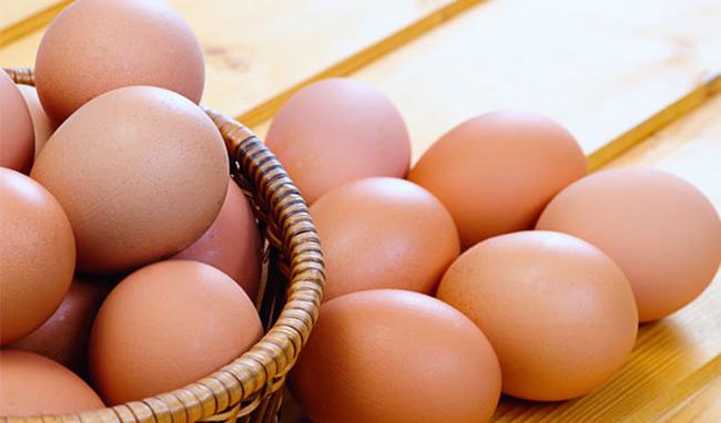 مرغداران نمیدانند تخم مرغ را به چه قیمتی عرضه کنند!