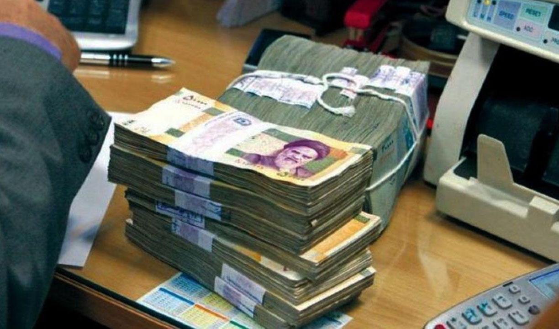 مردم در بانکها بیش از ۴۳۰۰ هزار میلیارد تومان سپرده دارند