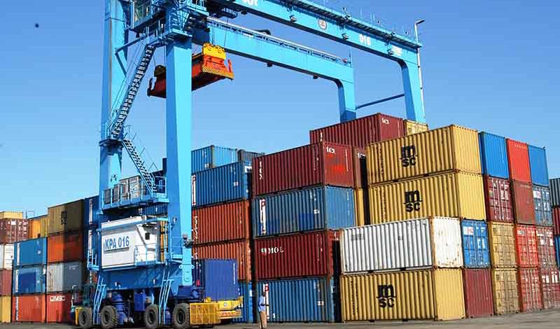 رشد ۶۰ درصدی صادرات در نیمه نخست/ ۸۵ درصد صادرات به همسایههاست